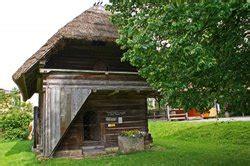Alte Fassadenfarbe Entfernen by Fassadenfarbe Entfernen So Geht Es Bei Einem Holzhaus