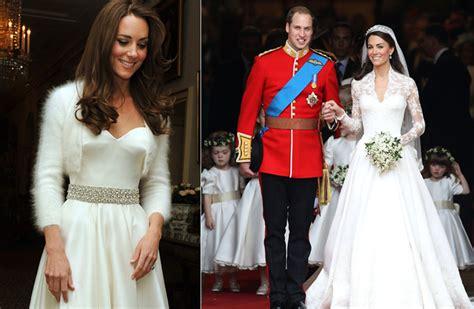 Die braut winkt aus dem auto. Meghan Markle: Die ersten Skizzen von ihrem Hochzeitskleid!