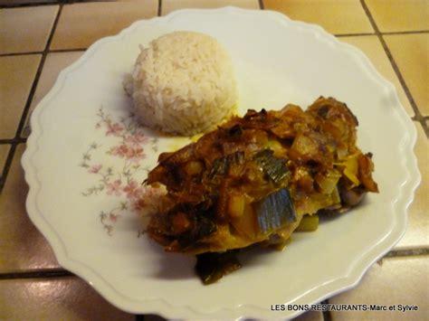 cuisiner filet de lieu noir filet de lieu noir sur fondue de poireaux et champignons