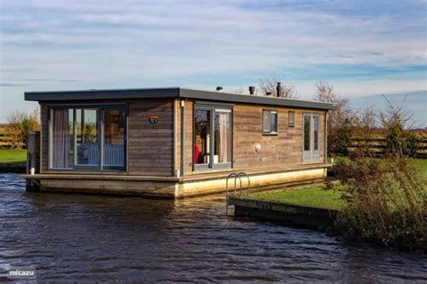 Living On A Boat In The Netherlands by Rent Quot Sweltsje Quot Luxury Houseboat In Eernewoude Friesland