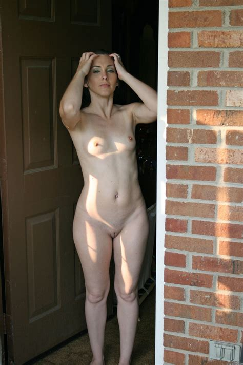 Full Frontal Naked Wife Gf At Home Mature Porn Photo