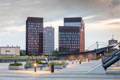 Brama miasta w Łodzi - Bryła