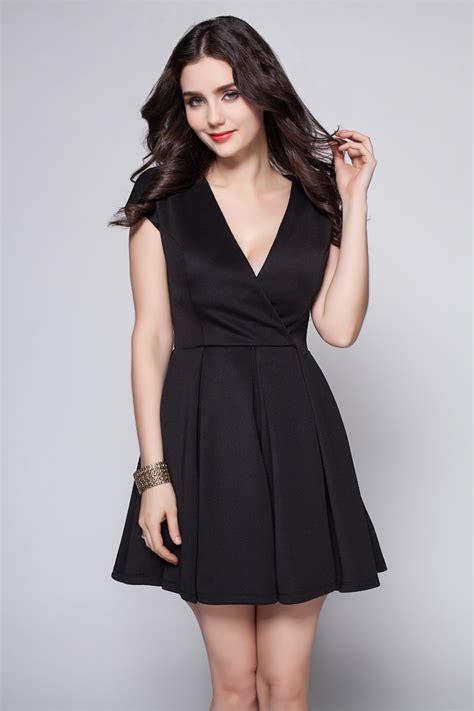 Discount Short Mini Black Vneck Party Cocktail Dress