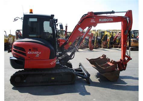 kubota kubota kx   hours excavator  listed  machinesu