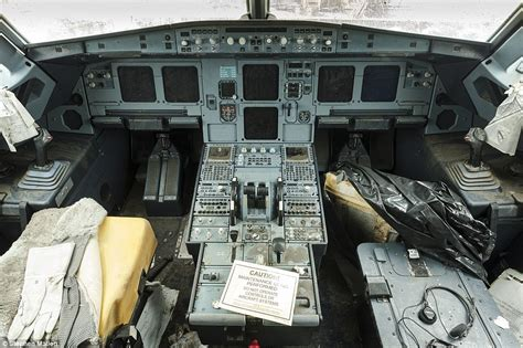 it inside the cockpit of flight 1549 ny daily news miracle on the hudson never before seen photo shows