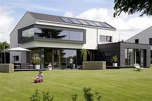 Haus Mit Satteldach 25 Grad : moderne doppelh user satteldach ~ Lizthompson.info Haus und Dekorationen