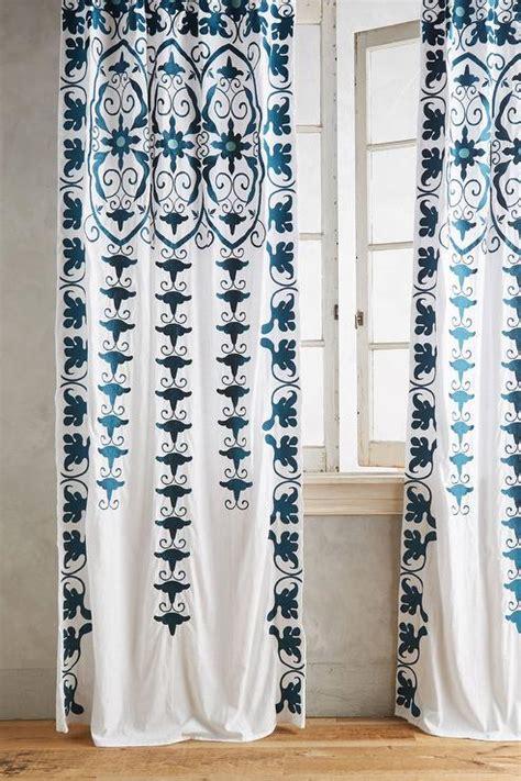 indigo  white paisley curtain