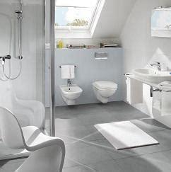 Kleines Bad Unter Schräge by Kleines Badezimmer Mit Schr 228 Ge
