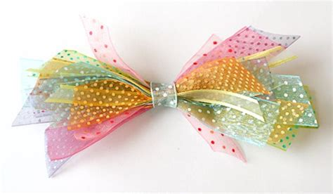creative diy bows    christmas packages