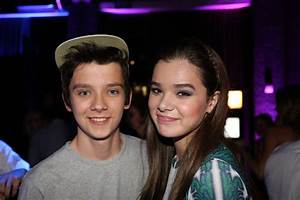 Asa Butterfield and Hailee Steinfeld - blackfilm.com/read ...