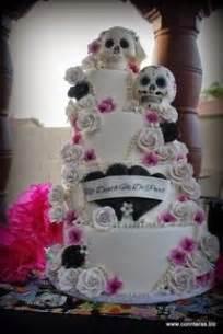 skull wedding cakes 1000 ideas about skull wedding cakes on wedding cakes cake toppers and wedding