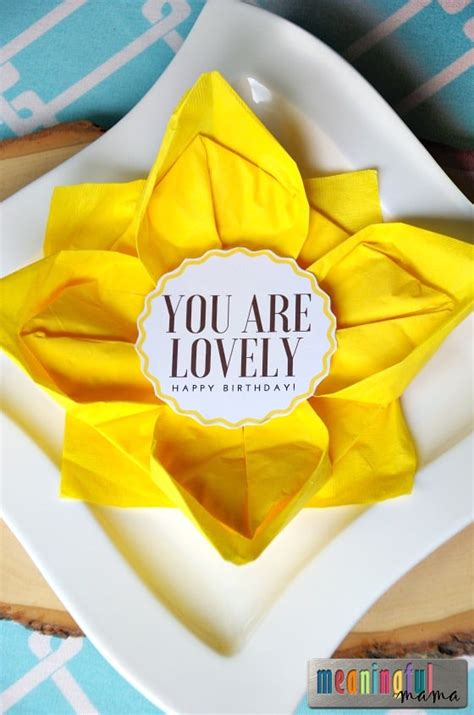 flower paper napkin folding  sunflower table decorations