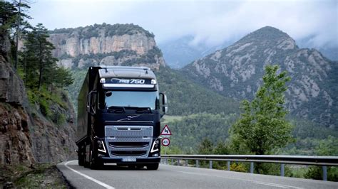 volvo trucks i see how to save 5 fuel new volvo fh