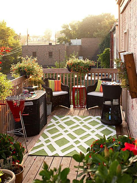 colorful outdoor decorating  summer  decorating idea