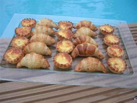 croissants  mini quiches pour laperitif dans la