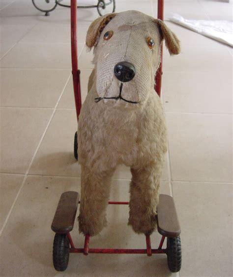 toy dog  wheels antique decorative items