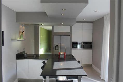 faux plafond cuisine ouverte faux plafond de plâtre pour la décoration de cuisine