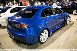 Blue Mitsubishi Lancer Evo