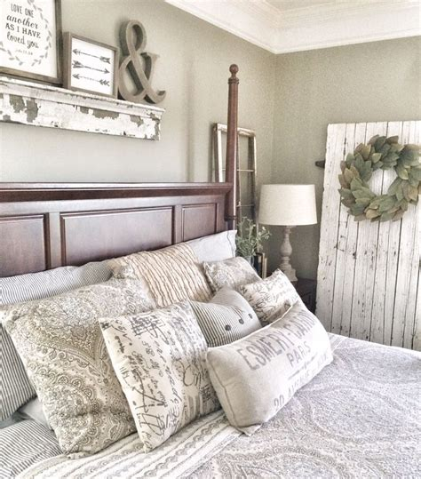 rustic farmhouse bedroom 17 best ideas about rustic master bedroom on pinterest rustic master bedroom design country