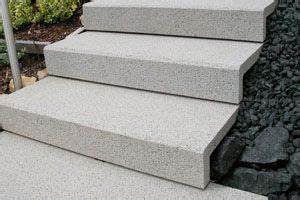Treppenstufen Außen Beton : schall verschiebbare winkelstufen stufensysteme und betonwaren paisagens casas ~ A.2002-acura-tl-radio.info Haus und Dekorationen