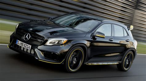 mercedes amg gla  yellow night edition