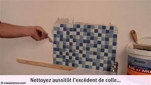 poser du carrelage mosaique au mur youtube With stickers pour carreaux salle de bain
