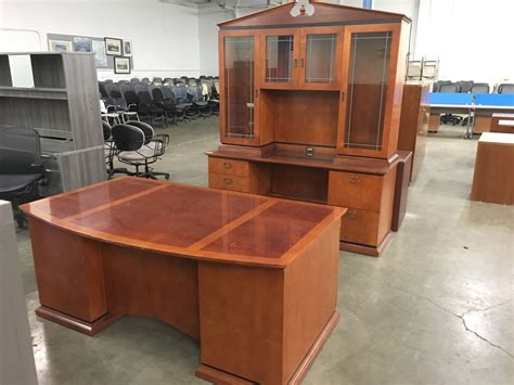Office Desk Used by Paoli Executive Desk Set Capital Choice Office Furniture