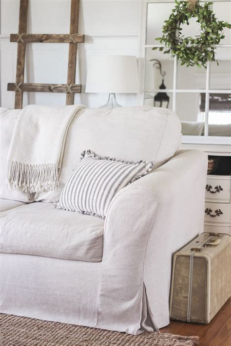 slipcovered settee best 25 slipcovers ideas on slip covers