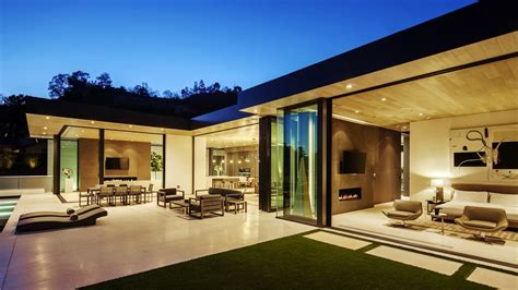 warm comfortable modern contemporary luxury residence