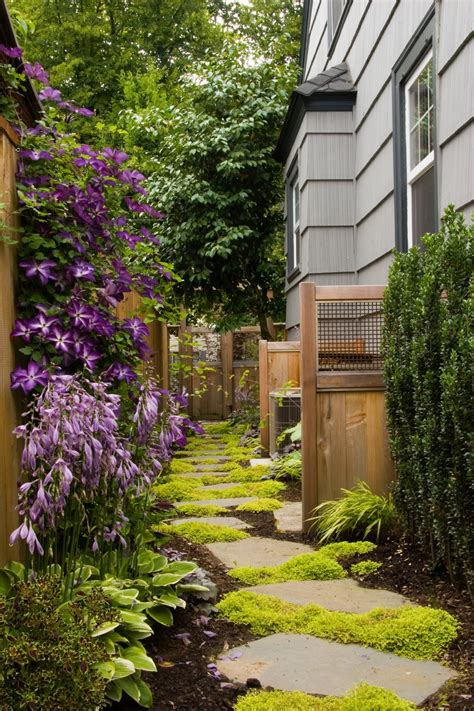 Schmaler Garten Gestalten by 2 Landscaping Landscape Ideas Narrow Backyard