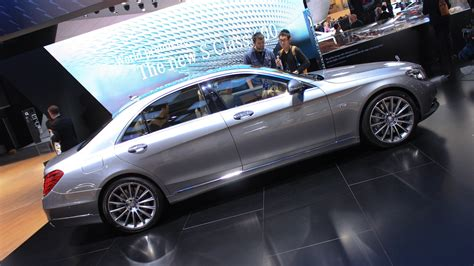 390 kw (530 hp) and 830 nm of torque. 2015 Mercedes-Benz S600 Brings V-12 Power To Detroit