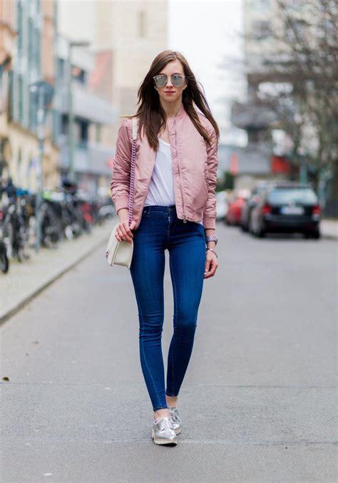 Zapatillas rosadas outfits