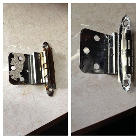 how to clean kitchen cabinet hinges cleaning cabinet hardware the easy way place hinges 8552