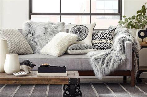 plaid canapé blanc 1000 idées à propos de plaid canapé sur plaid