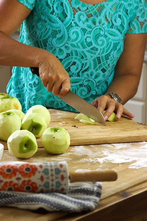 Looking for some fall recipe inspiration? The Very Best Apple Pie Recipe - The Suburban Soapbox
