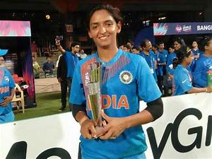 Harmanpreet Kaur becomes the first indian to play in Big ...