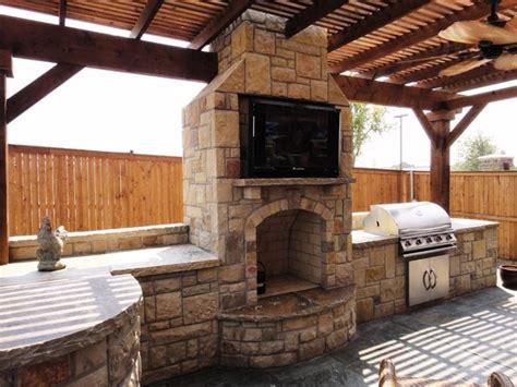 outdoor kitchen and fireplace designs cucine da esterno la cucina caratteristiche delle 7229