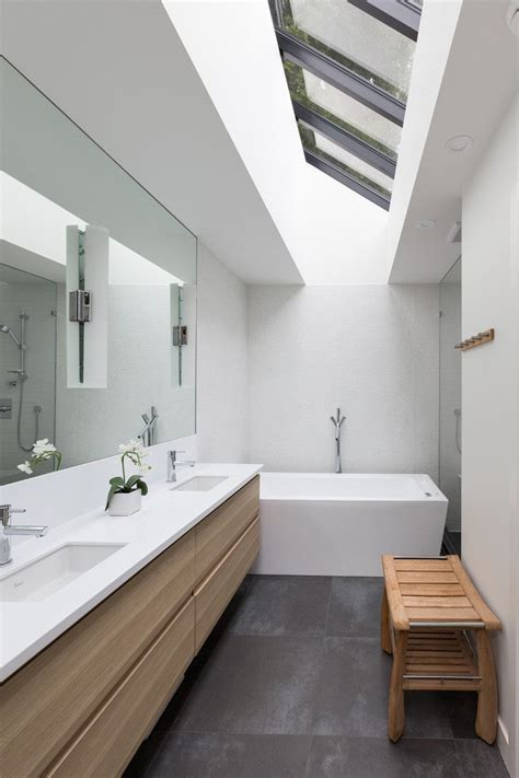 Large Bathroom Mirrors by 5 Bathroom Mirror Ideas For A Vanity Contemporist