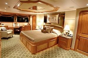 Westship Motor Yacht Fighting Irish39 With Room For Eight