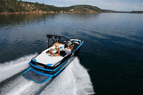 Axis Boats Cost by Axis Introduces Compact A20 Boat For 2011