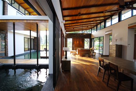 Interior Feng Shui : Feng Shui House Feels Like It's Floating On A Lake