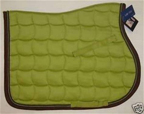 tapis cheval vert pomme recherche tapis vert pomme framboise et marron