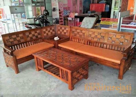 Dengan mengutamakan kualitas kayu, kualitas seni ukiran dan juga kualitas finishing terbaik di kota jepara. Kursi Jepara Tanpa Ukiran / 84+ Gambar Kursi Sudut Kayu ...