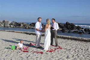 having the beach wedding ideas best wedding ideas With low budget beach wedding ideas