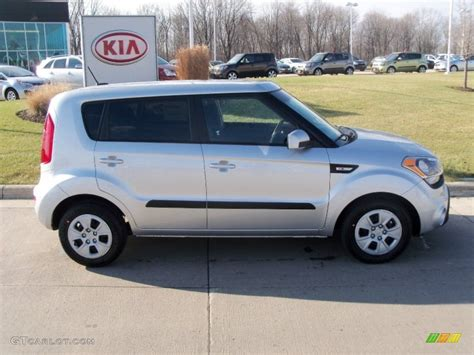 bright silver 2012 kia soul 1 6 exterior photo 58057696