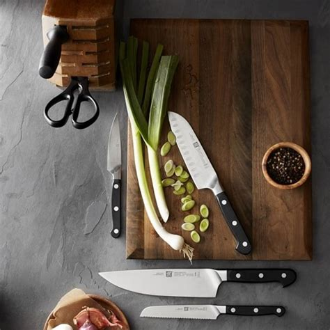 Types Of Kitchen Knives And Their Uses by Different Types Of Kitchen Knives And Their Uses With