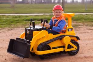 kid trax cat bulldozer kid trax cat bulldozer tractor unboxing and rid