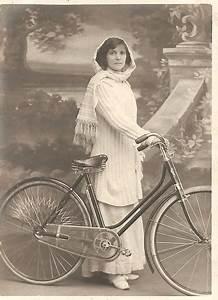 vintage, photos, of, ladies, with, bicycles