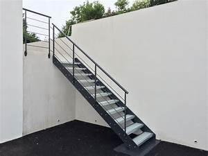 Escalier Exterieur Metal : escalier m tallique industriel art m tal concept ~ Voncanada.com Idées de Décoration