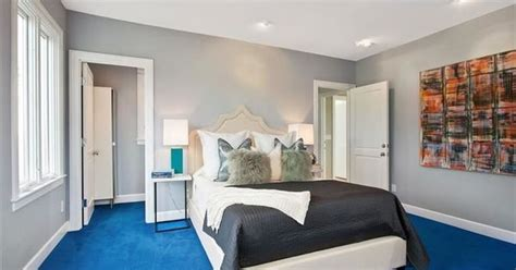 Ideas For Bedroom With Blue Carpet by Bedroom With Gray Whiles And Bright Blue Carpet Home